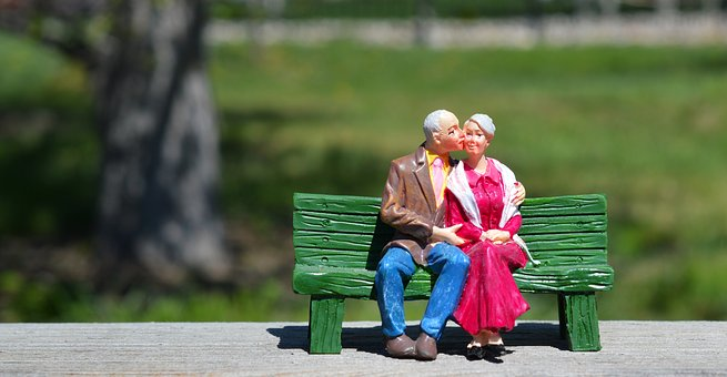 old-couple-2313286__340.jpg